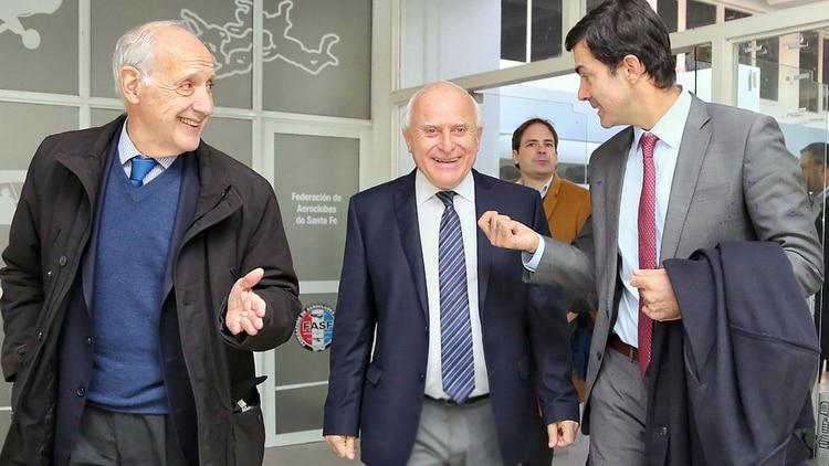 Roberto Lavagna y Juan Manuel Urtubey junto a Miguel Lifschitz, uno de los principales socios de la fórmula
