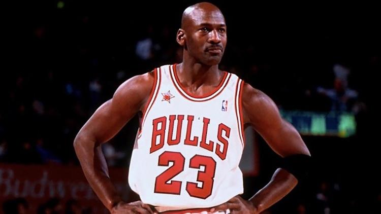 Michael Jordan ganó seis anillos de campeón en su carrera en la NBA (Foto: Especial)