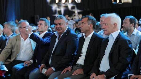 Claudio Tapia, presidente de la AFA, siguió de cerca las instancias del sorteo de la fase final de la Copa Argentina 2017-2018 (@afa)