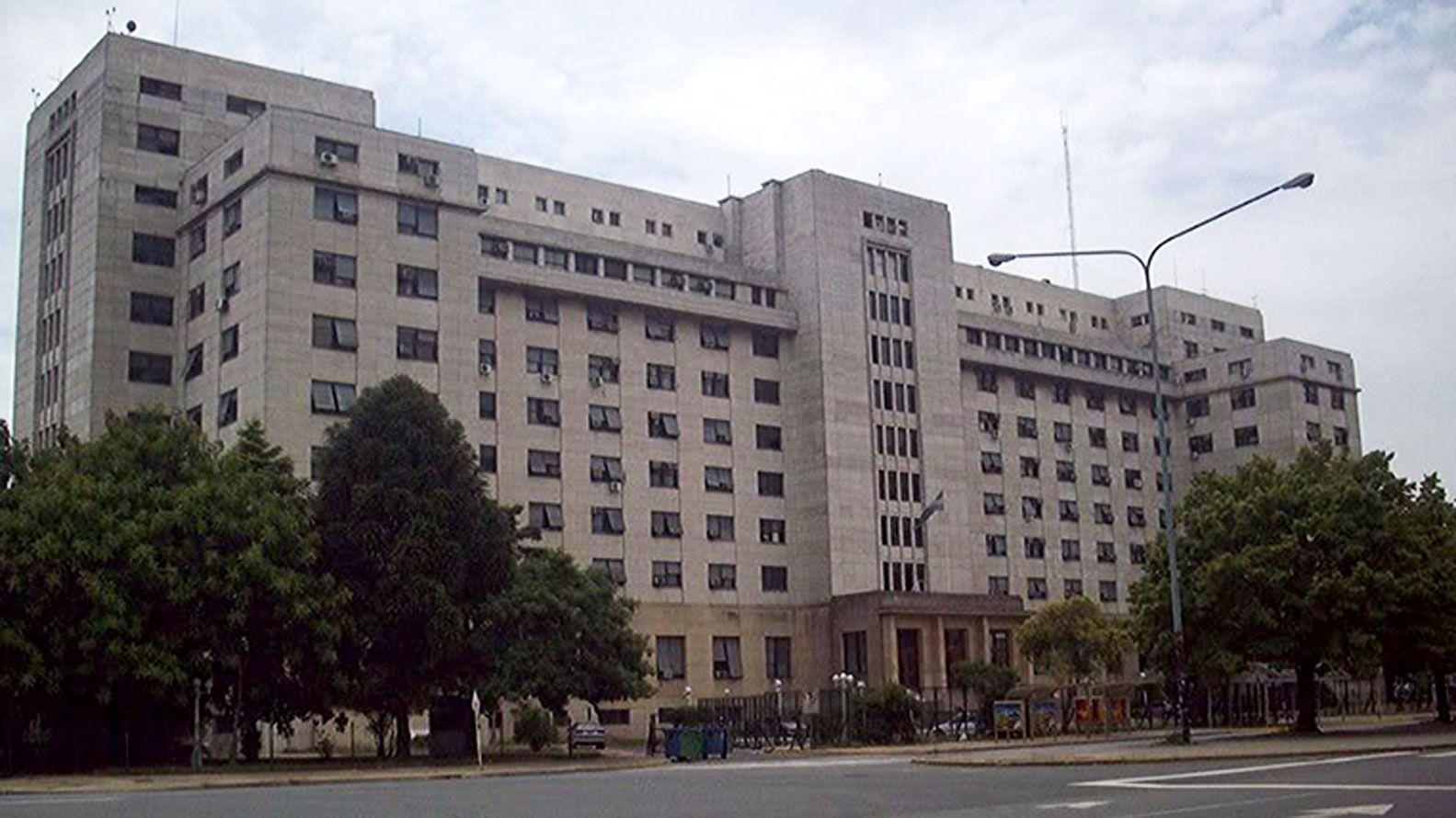 Frente del edificio de Comodoro PY  162