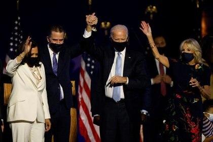 Joe Biden celebra su victoria electoral en Wilmington (REUTERS/Jim Bourg)