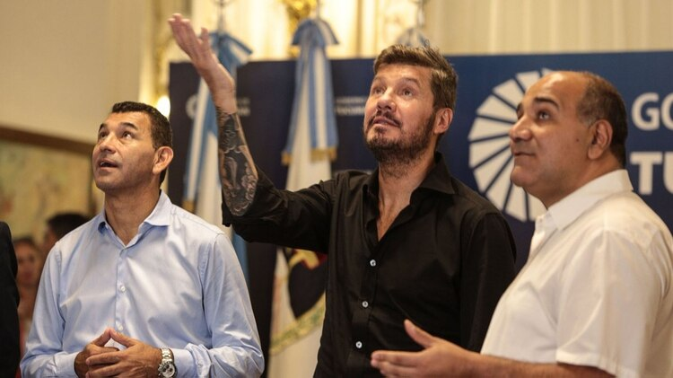 Tinelli junto al gobernador de Tucumán, Juan Manzur (@JuanManzurOK)