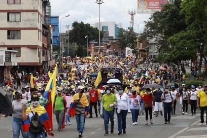 Manifestantes salen a las calles en Cali en medio del paro nacional. Cali, Colombia, Mayo 12, 2021. REUTERS/Juan B Diaz.