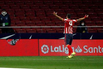Con el tanto ante el Alavés, Suárez alcanzó sus 500 goles como profesional (Efe)
