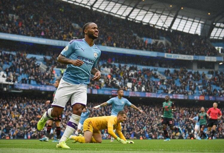 Raheem Sterling anotó el primer gol del partido frente al Aston Villa