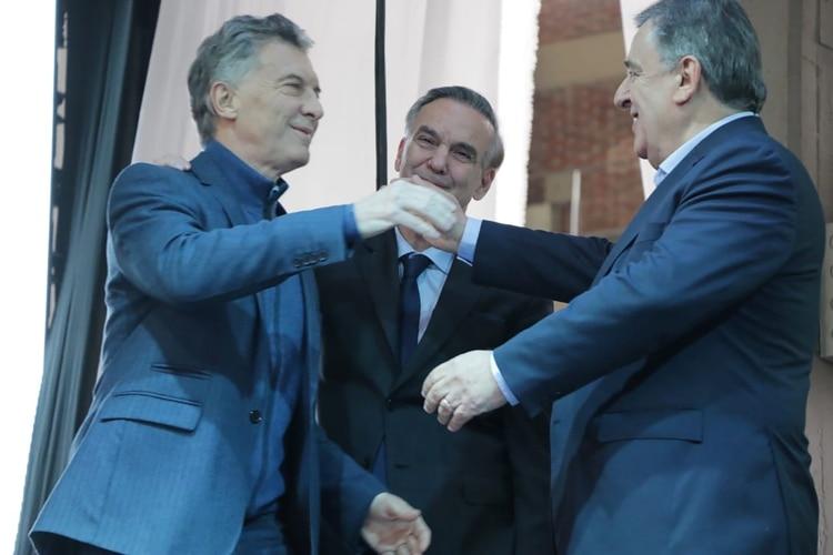 Mauricio Macri junto a Miguel Ángel Pichetto y Mario Negri, en los primeros días de julio (Prensa Juntos por el Cambio)
