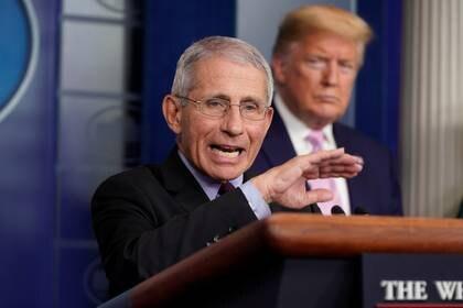 Anthony Fauci, el epidemiólogo de la Casa Blanca, en al conferencia de prensa de hoy de Donald Trump