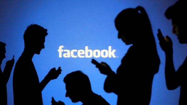 El ataque se basa en una vulnerabilidad combinada de Facebook y Chrome(Reuters)