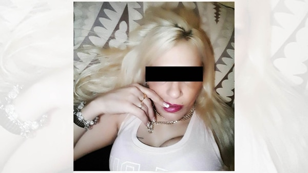 Claudia B.: selfie en Facebook.