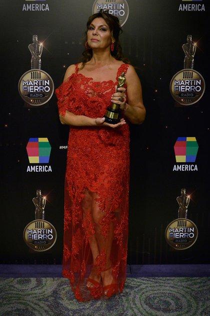 Mariel Di Lenarda con su premio (Gustavo Gavotti)