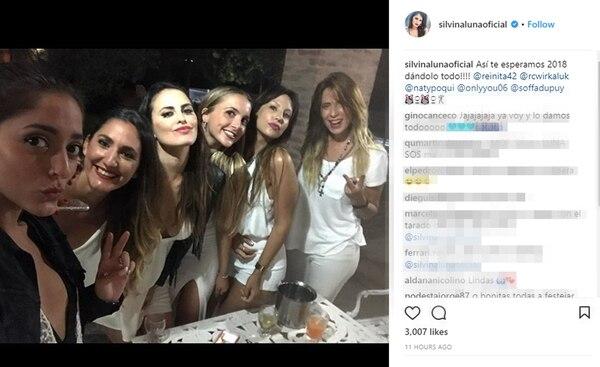 Además de estar con el elenco, Silvina Luna estuvo con amigas y con la hermana del Polaco