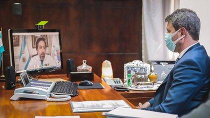 Uñac mantuvo una videoconferencia con el titular de la cartera educativa a nivel nacional, Nicolás Trotta