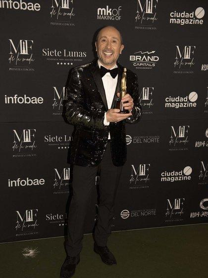 Claudio Cosano ganó como mejor look entre los panelistas de TV, por su participación en la Jaula de la Moda (Adrián Escandar)