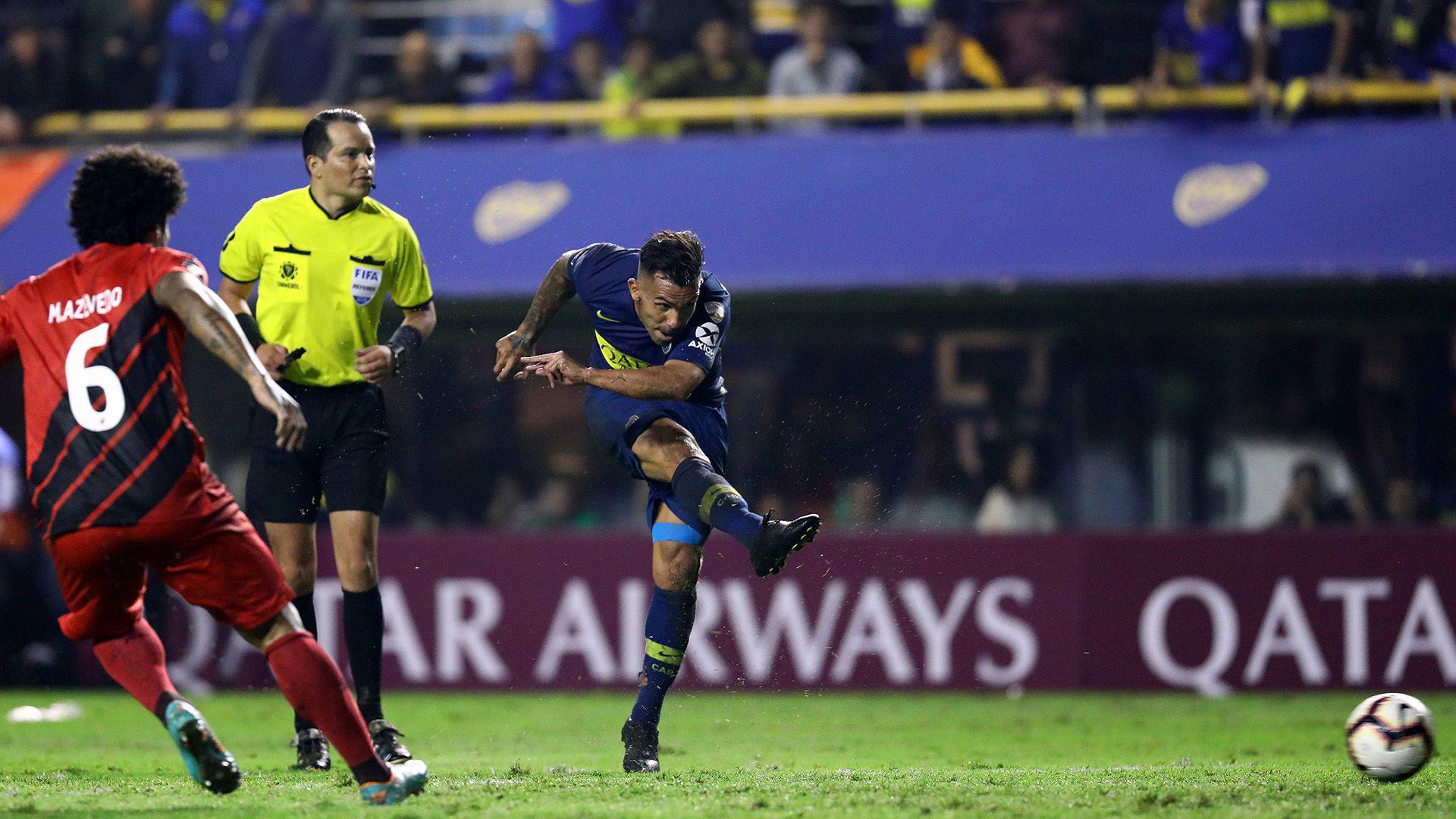 Tevez anotó su último gol por Copa ante Atlético Paranaense en la fase de grupos del año pasado (FotoBaires)