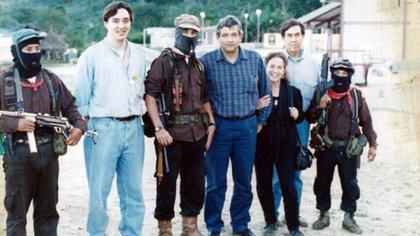 López Obrador, Cuauhtémoc Cárdenas y Rosario Ibarra con Marcos y Tacho y Moisés. (Foto: Especial)