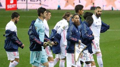 Zinedine Zidane planea realizar una fuerte renovación en su segunda unidad (REUTERS/Jon Nazca)
