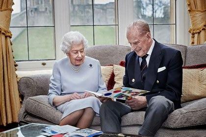 La reina británica Isabel II y su esposo, el duque de Edimburgo, celebrando su 73 aniversario de bodas (17 de noviembre de 2020) (Chris Jackson/Getty Images Europe/Entregada vía REUTERS)