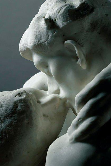 """""""El beso"""" (1881) de Auguste Rodin (Foto: Museo Rodín)"""