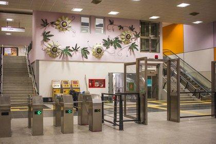 En las nuevas estaciones falta personal de boletería, indicaron desde el sindicato.