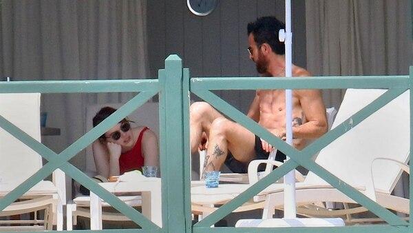 Resultado de imagen para ¿Nuevo romance en Hollywood? Emma Stone y Justin Theroux fueron captados juntos en una cabaña francesa