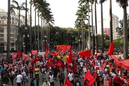 Manifestación de los trabajadores contra jair Bolsonaro en San Pablo, Brasil. REUTERS/Amanda Perobelli