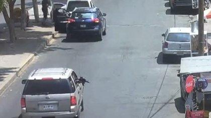 """Testigos del ataque declararon que una de las víctimas es el propietario de la miscelánea """"Berta"""", tienda donde se registró el incidente (Foto: Captura de video)"""