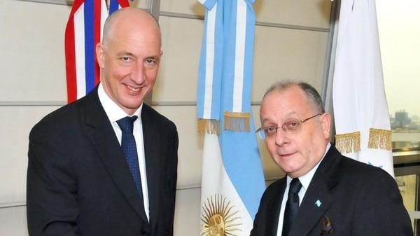 Resultado de imagen para canciller Jorge Faurie recibió hoy al embajador británico en Buenos Aires, Mark Kent