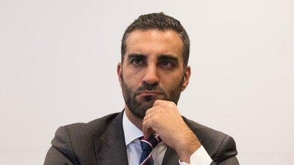 Quién es Simón Levy: el empresario que regalará viajes por rediseñar el logo del AIFA