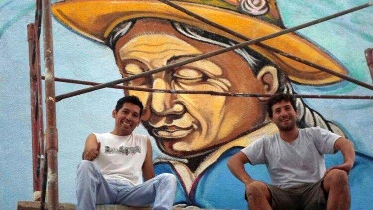 """Desde hace casi 20 años, Alejandro Condorí da vida a las paredes de San Salvador de Jujuy. """"Pintar me apasiona"""", dijo a Infobae"""