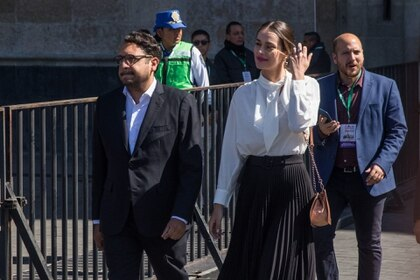 Andrés Manuel López Beltrán e Irene Esser asistieron al primer Informe de Gobierno del Presidente de México, Andrés Manuel López Obrador, en el Zócalo. FOTO: MOISÉS PABLO /CUARTOSCURO