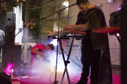 """Centolla Society presentará su último disco denominado """"Cabomba"""" (2017) en la Galería Barro Arte Contemporáneo"""