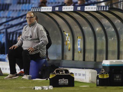 Soccer Football - Carabao Cup Second Round - Leeds United v Hull City - Elland Road, Leeds, Britain - September 16, 2020 Leeds United manager Marcelo Bielsa Pool via REUTERS/Phil Noble EDITORIAL USE ONLY. No use with unauthorized audio, video, data, fixture lists, club/league logos or 'live' services. Online in-match use limited to 75 images, no video emulation. No use in betting, games or single club/league/player publications.  Please contact your account representative for further details.