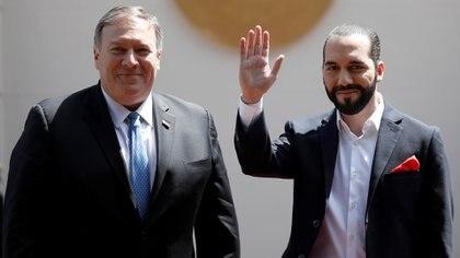 El secretario de Estado de EEUU, Mike Pompeo, en una visita a El Salvador donde se reunió con el presidente Nayib Bukele. 21 de julio, 2019 (REUTERS/Jose Cabezas)