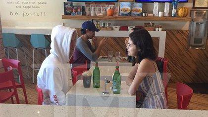 """Selena y Justin juntos otra vez. Aunque están """"felices"""" esta vez la pareja quiere mantener un perfil bajo."""