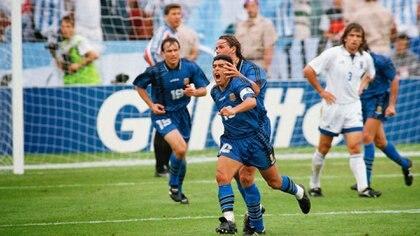 El  21 de junio de 1994 Argentina venció 4-0 a Grecia en el Mundial con tres goles de Batistuta y uno de Maradona, el último del 10 en una Copa del Mundo