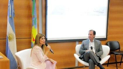 Lina Anllo, presidenta de la World Compliance Association (WCA) Capítulo Argentino, entrevista al intendente de Escobar,Ariel Sujarchuk