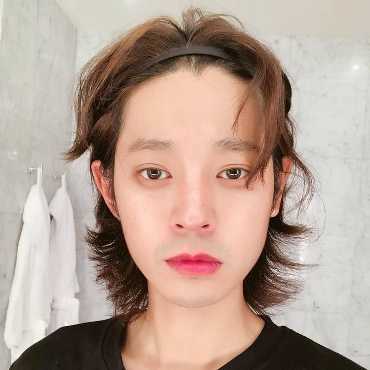 Jung es conocido como intérprete de rock en Corea (Instagram:sun4finger)