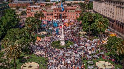 La movilización se concentró frente a la Casa Rosada (Gentileza: Prensa Obrera)