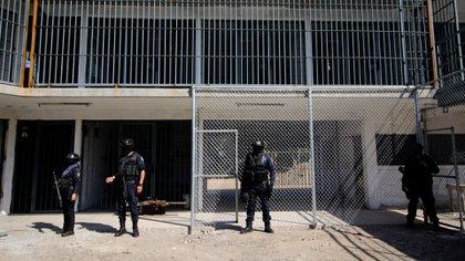 Cárceles del país reportan desenfrenada ola de contagios. (Foto: Cuartoscuro)