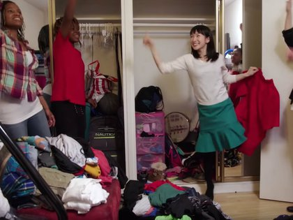 Marie ayuda a la gente a ordenar sus espacios (Foto: captura pantalla YouTube)