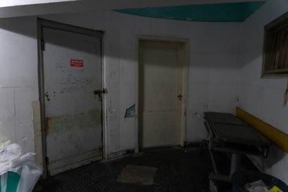 La morgue del Hospital San Martín. Ya no está saturada como durante la primera ola, cuando no se sabía cómo tratar los cuerpos.