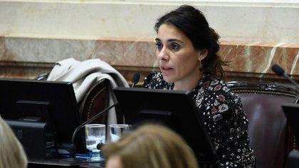 La senadora neuquina Lucila Crexell, en su banca (@LucilaCrexell)