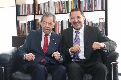 Porfirio Muñoz Ledo y Martí Batres (Foto: Twitter/ @martibatres)