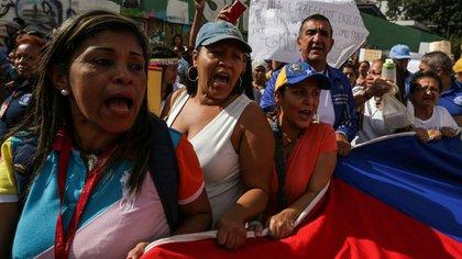 Mujeres protestan por las condiciones de vida en Venezuela (EFE)