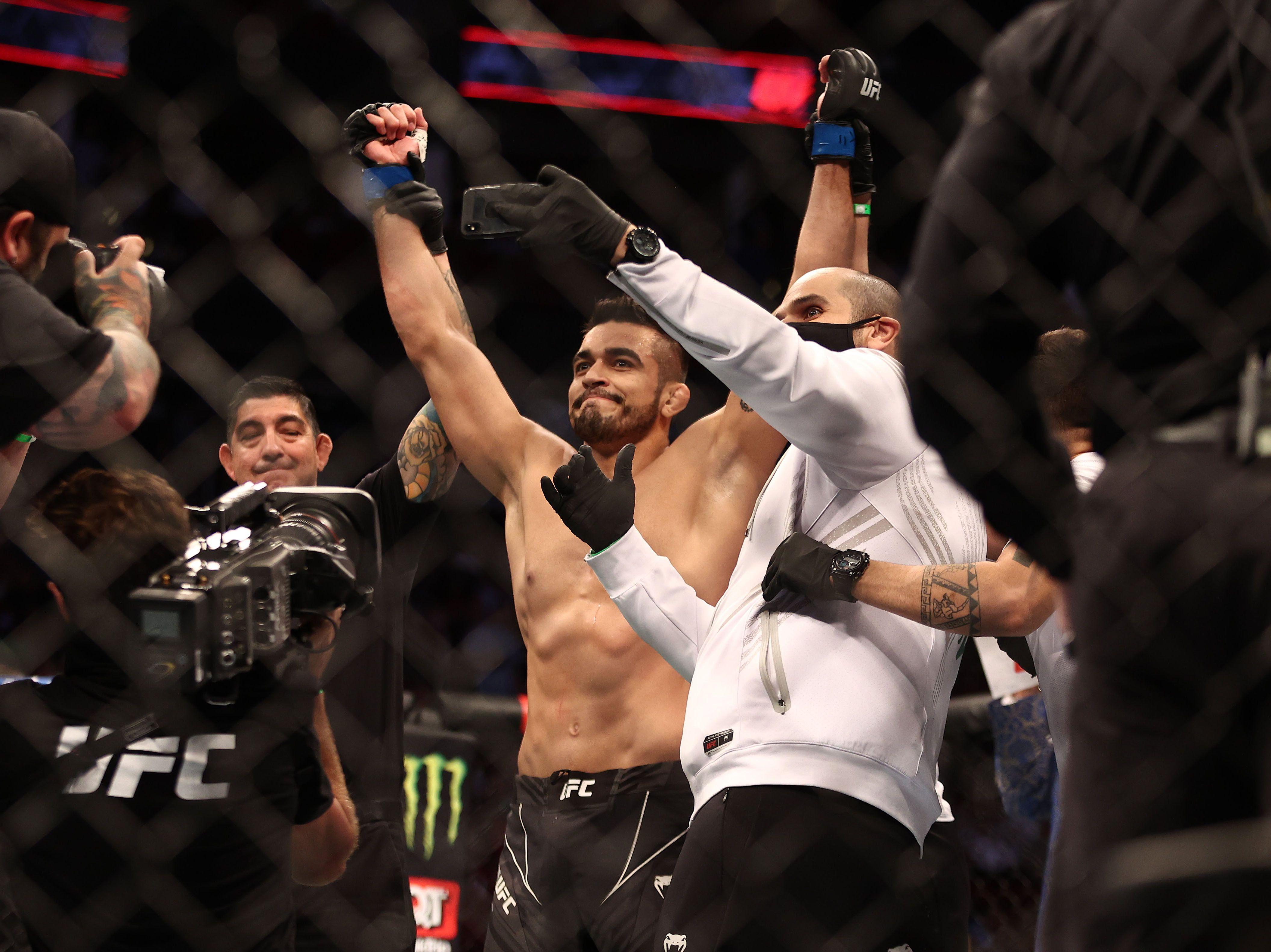 André Muniz se alzó con la victoria en el UFC 262 (Usa Today Sports)