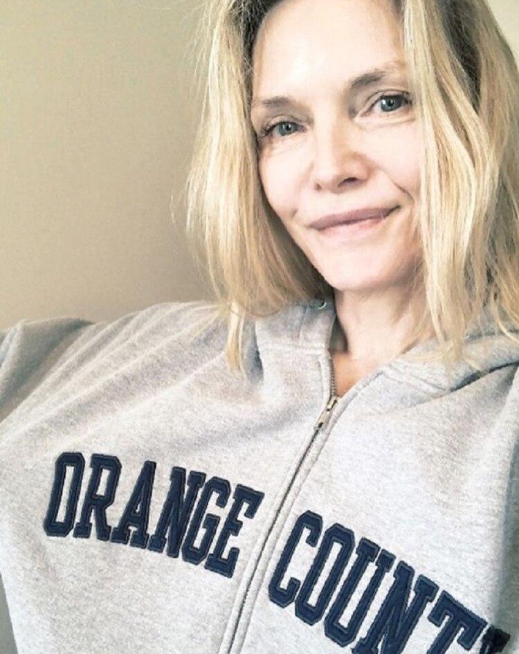 La actriz estadounidense suele compartir imágenes en las que aparece sin maquillaje y con outfits relajados (Foto: Instagram)