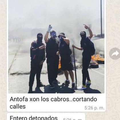 Pantallazo de WhatsApp con foto compartida por el agente encubierto al grupo de la organización social que intervino