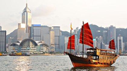 Hong Kong es una de las ciudades más ricas del mundo, y es fundamental para la economía china (Shutterstock)