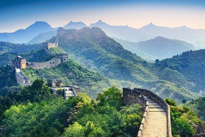 Es una antigua fortificación china construida y reconstruida para proteger la frontera norte del Imperio chino durante las sucesivas dinastías imperiales de los ataques de los nómadas xiongnu de Mongolia y Manchuria (Getty Images)