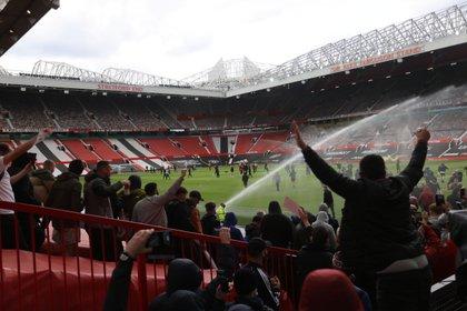 La locura que se vivió en Old Trafford (Reuters)